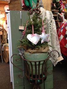 Dec - urn with tree